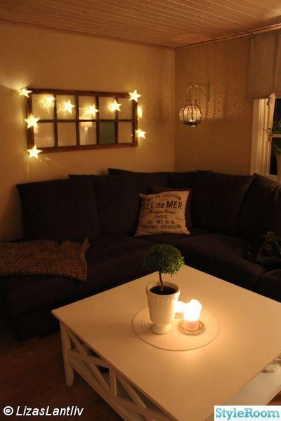 vardagrsum,hörnsoffa,soffbord,lykta,ljusslinga,stjärnor,kuddar,myrten,gammalt fönster,lantligt