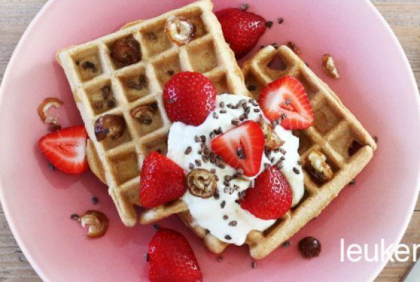 Recept voor gezonde wafels met aardbeien - Foody.nl