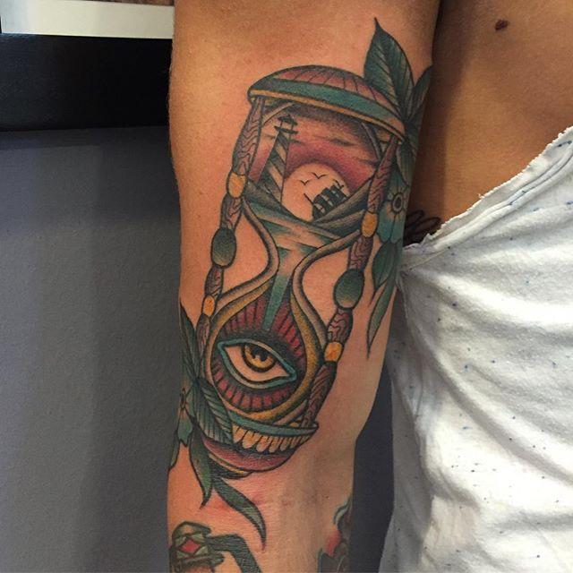 #thebesttattooartists #tattooworkers #tattooistartmagazine #bright_and_bold #oldlines #americanatattoos #topclasstattooing #besttradtattoos #skinartmag #tattoorevuemag #italian_traditional_tattoo #tattoo #tattoolifemagazine #tattooitalia #follonica #inkedmag #tattooartistmagazine #thebestspaintattooartists #tradworkers