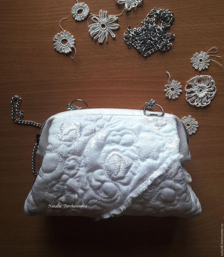 """Купить Стеганая, текстильная сумочка """"White Holiday """" - белый, сумочка ручной работы, саквояжик"""