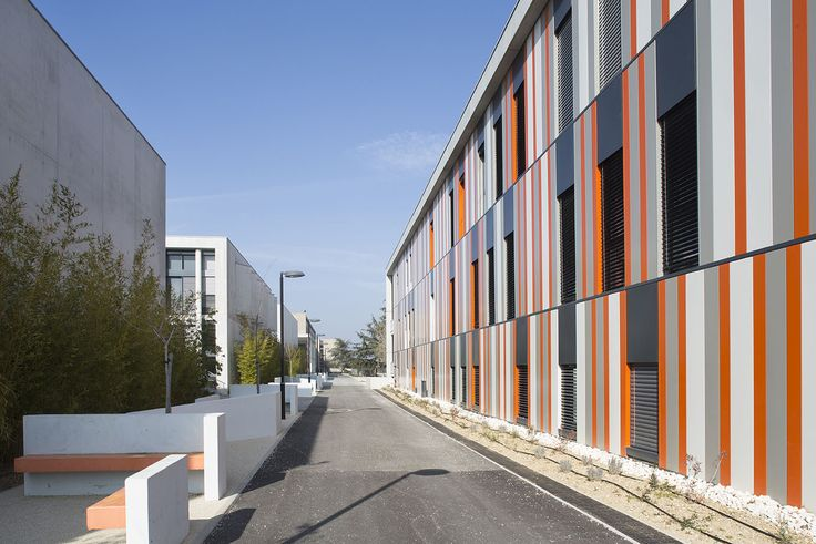 Galeria de Escola de Segundo Grau Lycée Albert Einstein / NBJ Architectes + François Privat - 10