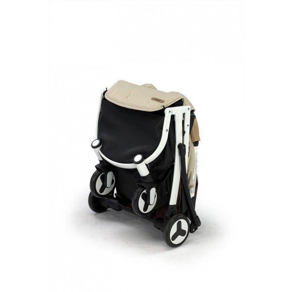 SILLA DE PASEO KARIBU – NANETTY  Plegado ultracompacto y muy ligera, la silla de paseo KARIBÚ de Nanetty será la favorita de papás y de peques. Con su plegado sencillo y compacto, cabe en los maleteros más pequeños. Incluso te acompañará en cualquier viaje que hagas pues debido a sus reducidas dimensiones cuando está plegada, la puedes llevar contigo como equipaje de mano en un avión.
