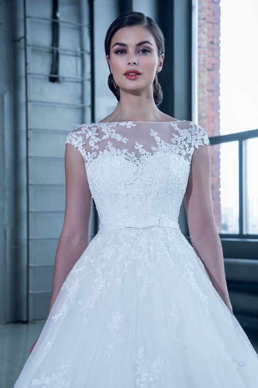 14651 в Красноярске, Платье в пол, Свадебное платье с рукавом, Свадебное платье с закрытым верхом, Пышное свадебное платье