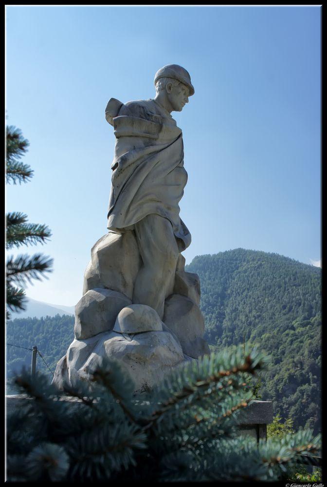 statue  by Giancarlo Gallo