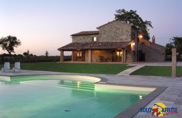 Former farmhouse in a panoramic position on a hill between Orvieto and Bolsena Lake