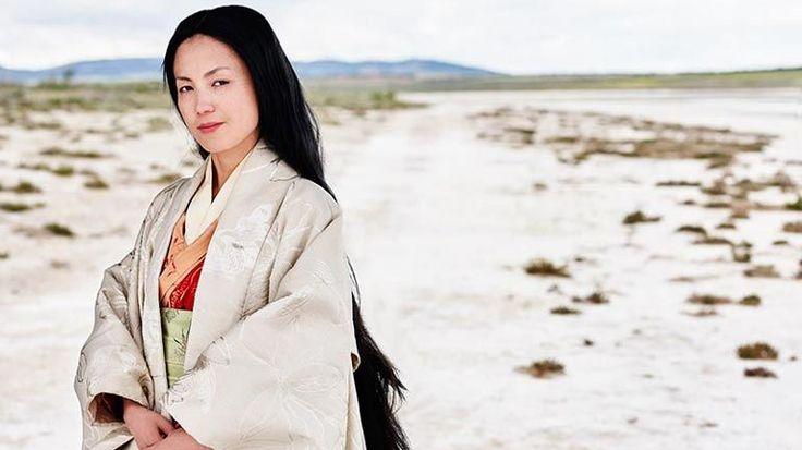 Murasaki Shikibu: Woonde: Japan, c.978–1014  Haar vraag: hoe kan een verhaal uitleggen de condition humaine?  Aan de gang zijnde erfenis: instrumentaal in het populariseren van de schriftelijke Japanse taal, haar werken werd centraal in de ontwikkeling van de Japanse maatschappij en cultuur