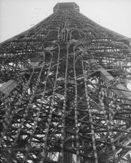LA TORRE EIFFEL CUMPLE AÑOS, VISTA PANORÁMICA DE PARÍS | serunserdeluz, Construcción de la Torre Eiffel