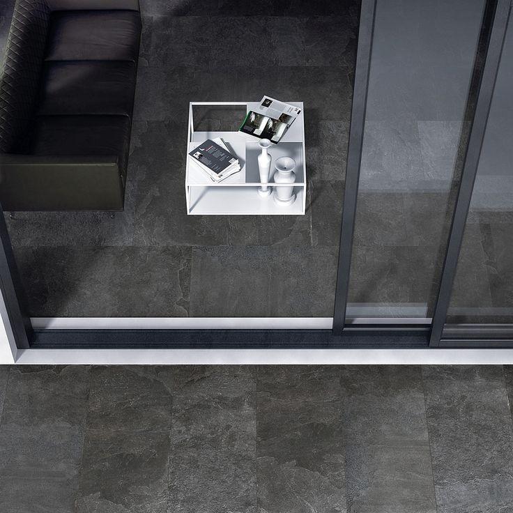 eine phantastische schwarze feinsteinzeug fliese in natursteinoptik f r ihr traum wohnzimmer. Black Bedroom Furniture Sets. Home Design Ideas
