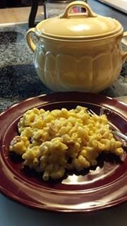 Super Easy Mac'N'Cheesy. 2 cups elbow macaroni (uncooked), 1 can chicken broth, 2 cups Half/Half,8 oz shredded cheese. Directions Place macaroni, broth, and half n half into Bean Pot. Stir then cover with lid. Heat on high in microwave for 14 minutes (rotate every 2 minutes if no turntable). Remove from microwave, add cheese – stir – place lid back on Bean Pot and let sit 10 minutes to allow the cheese to melt. Stir and serve warm.