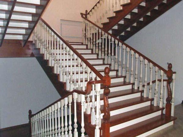 Veranda Yapımı Pergole Tasarımı Değişik Kamelyalar Ahşap Merdivenler Ürünler Basamak