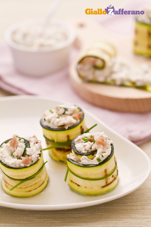 Rotolini di zucchine con crudo e robiola (grilled zucchini roll-ups)