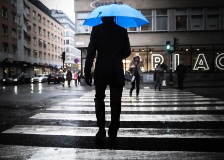 Agnès  The Man With The Blue Umbrella