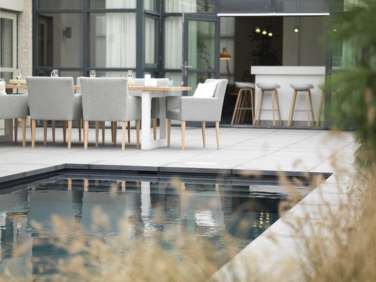 Kom langs bij het Pool & Lifestyle Centre te Valkenswaard en bekijk met eigen ogen dit nieuwe Starline NOVA zwembad met hoge waterlijn én uitgevoerd in de chique kleur Antra.