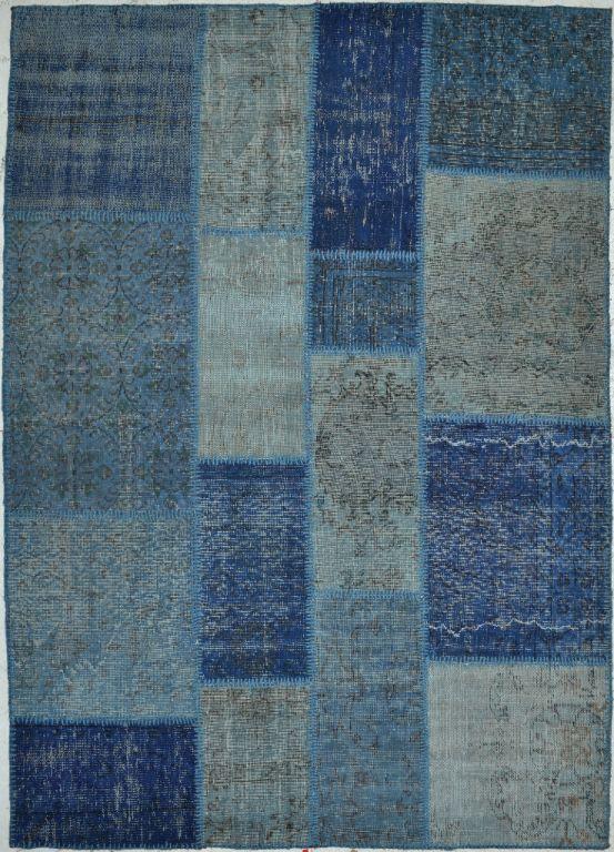Trendhopper ● Dit blauwe karpet met verweerde look brengt de ruimte tot leven.