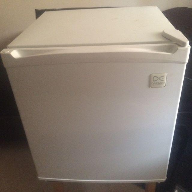 mini fridge countertop on gumtree this is a small countertop fridge