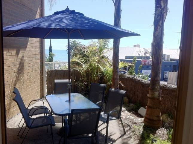 Seacliff Holiday House: 3 bedroom Seacliff beachfront townhouse