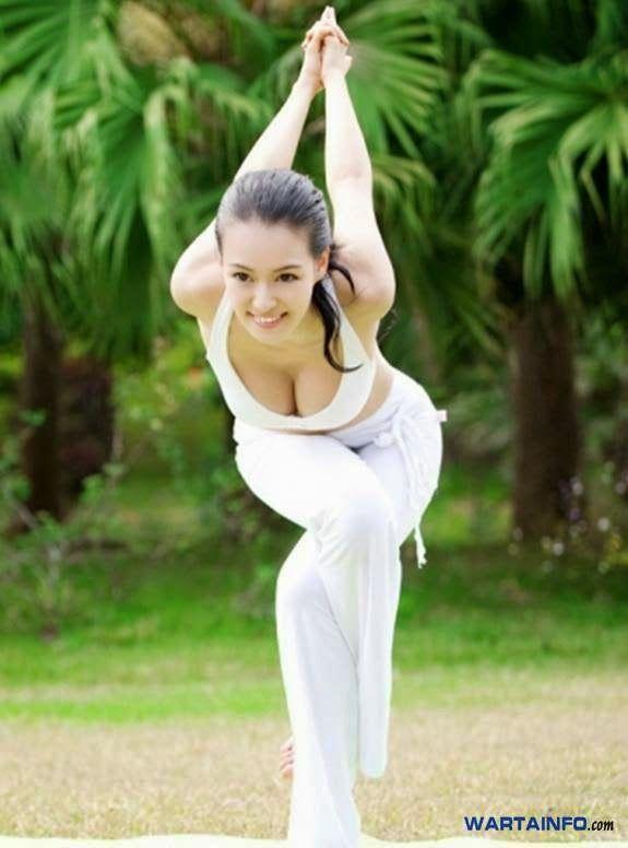 mu qi mi ya pelatih yoga wanita tercantik terseksi di