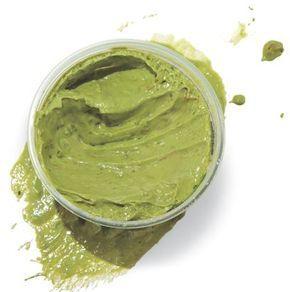 Hidratação com abacate: o segredo para cabelos macios e brilhosos Receita caseira para cabelos cacheados, crespos e ondulados.