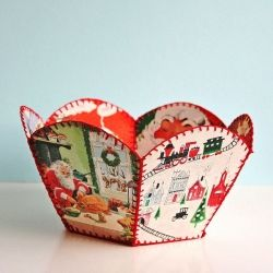 This fun and retro craft is a great way to show off some of your favorite holiday cards.