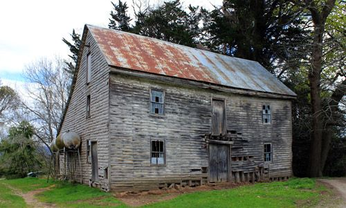 barn at Chesunt estate near Meander Tasmania