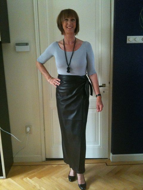 Long leather skirt | by Mariah Guard | Leather Skirts | Pinterest ...