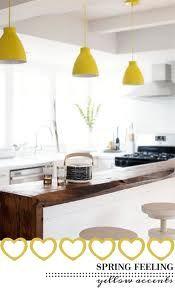 keukens met wit zwart en hout en oker - Google zoeken