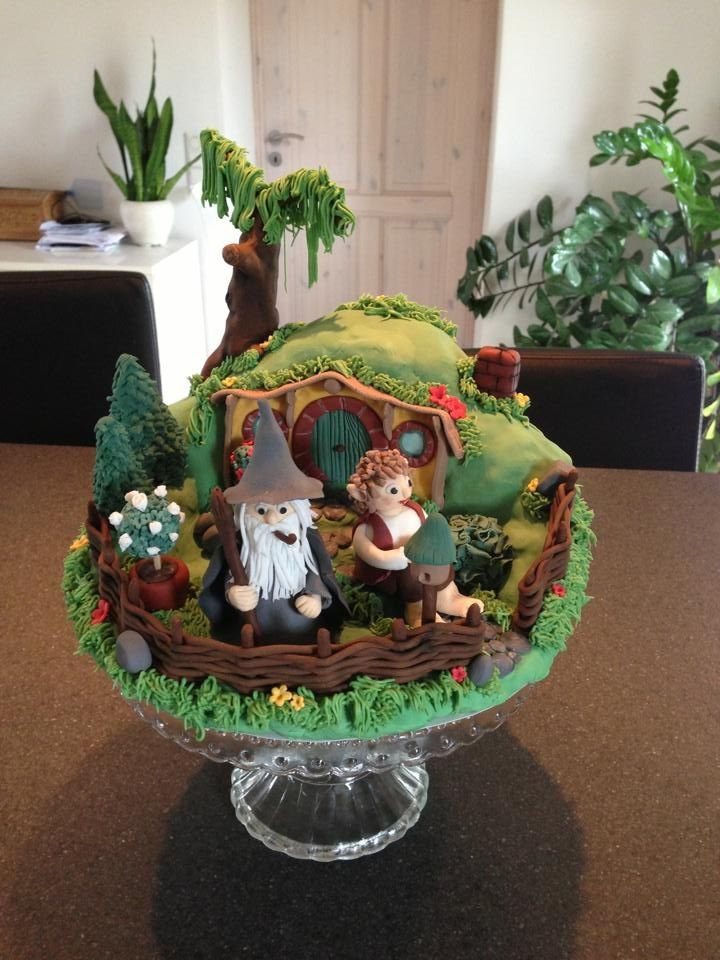 Bag End / hobbit cake