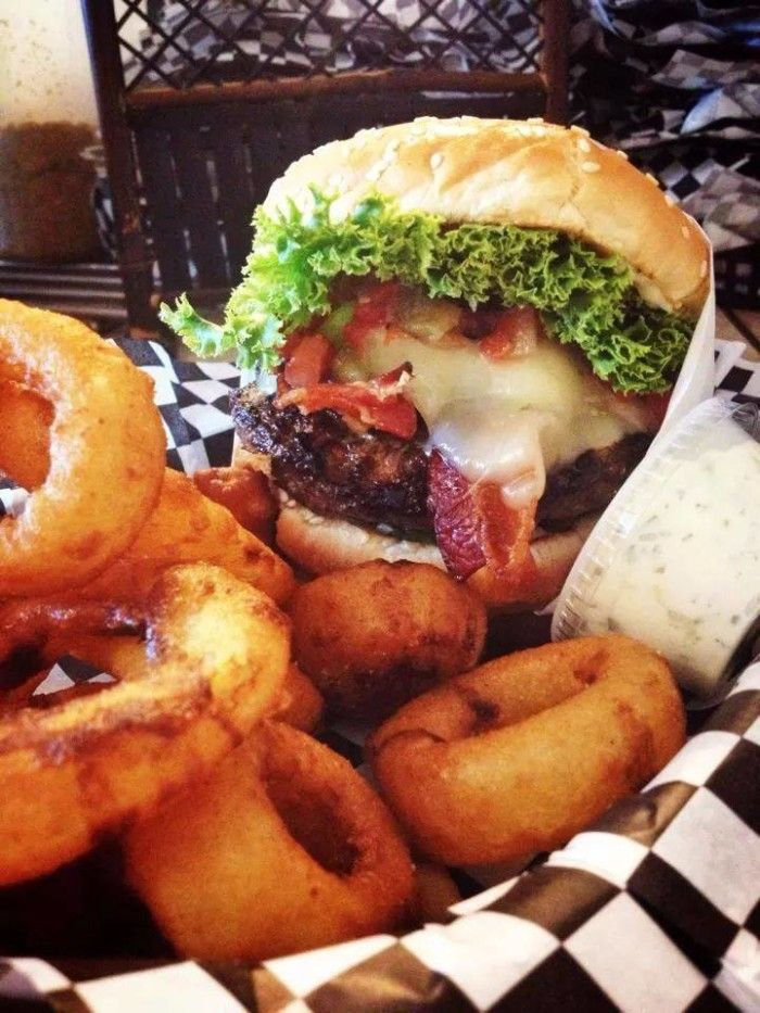 15 Burger Joints in Washington That Will Make Your Taste Bugs Explode