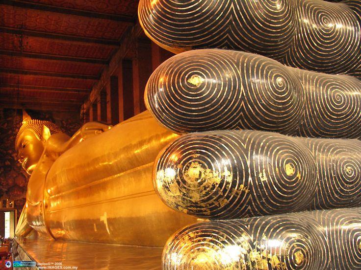 45 meter long golden Reclining Buddha at Wat Pho in Bangkok Thailand & Best 25+ Reclining buddha ideas on Pinterest | Wat pho Bangkok ... islam-shia.org