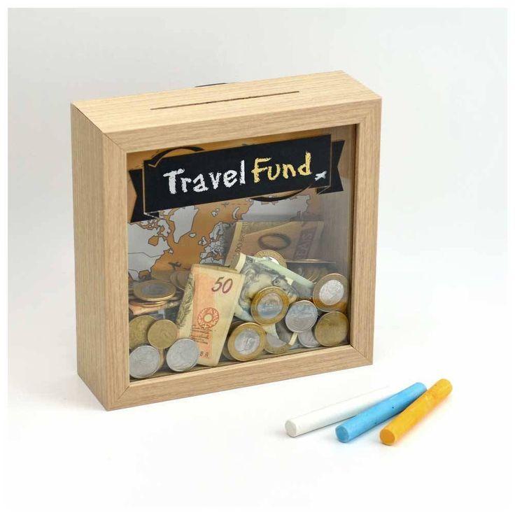 Travel Box - caixinha multi-função! Escreve com giz o nome do destino e use-a para guardar lembranças de viagem, ou coloque moedas na abertura superior e transforme-a em um cofrinho!