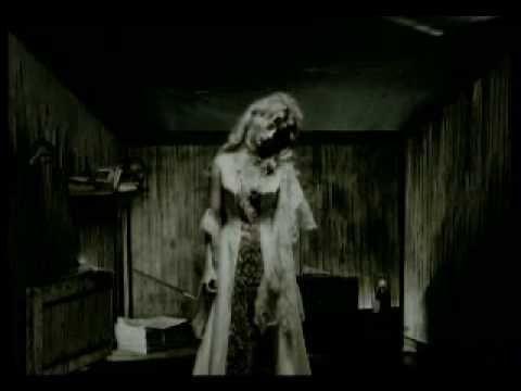 """Alain Souchon clip officiel    Suivez toute l'actu sur http://www.alainsouchon.net  Nouvel album """"Ecoutez d'où ma peine vient"""" sortie le 1er décembre 2008"""