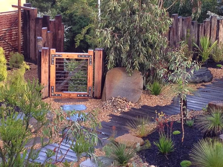 Kenney-Pierce Timber - RECYCLED TIMBERS: Recycled Timber Gates and Barn Style Doors - more ...