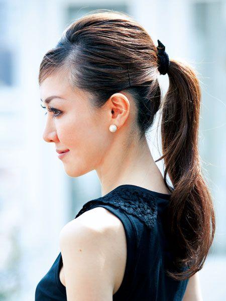 ロングヘアのすっきり素敵なまとめ髪アレンジ♡|MERY [メリー]