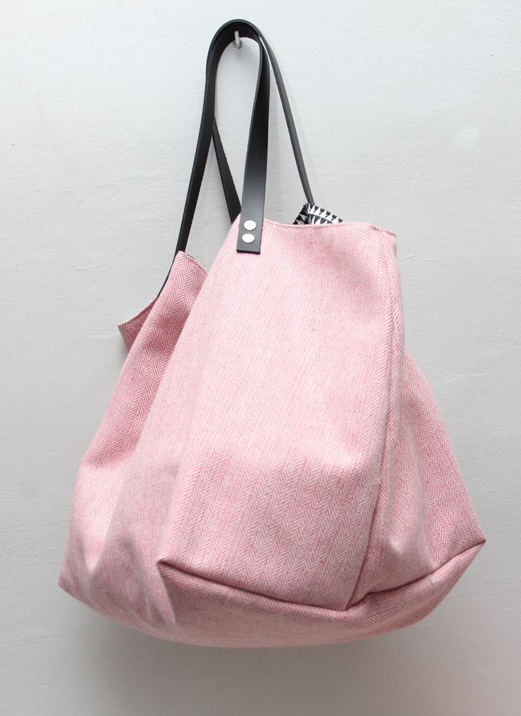Sac cabas laine rose intérieur nb triangles : Sacs à main par little-cabas