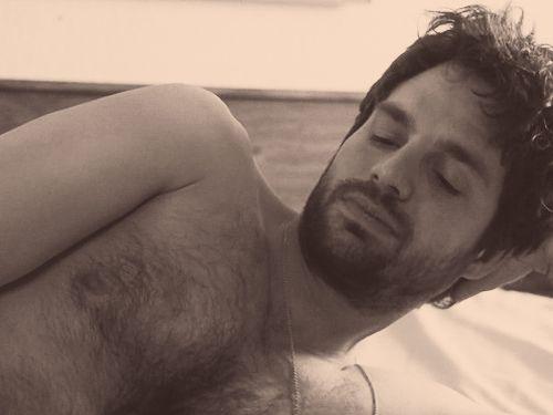 mark-ruffalo-shirtless.gif