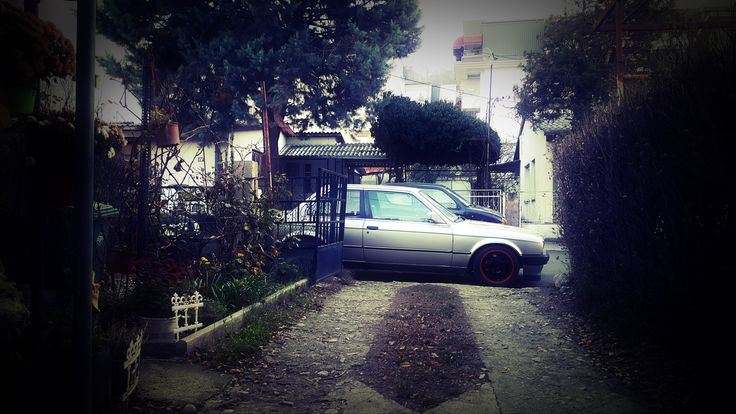 Guess we lowered it a bit too much #bmw #e30