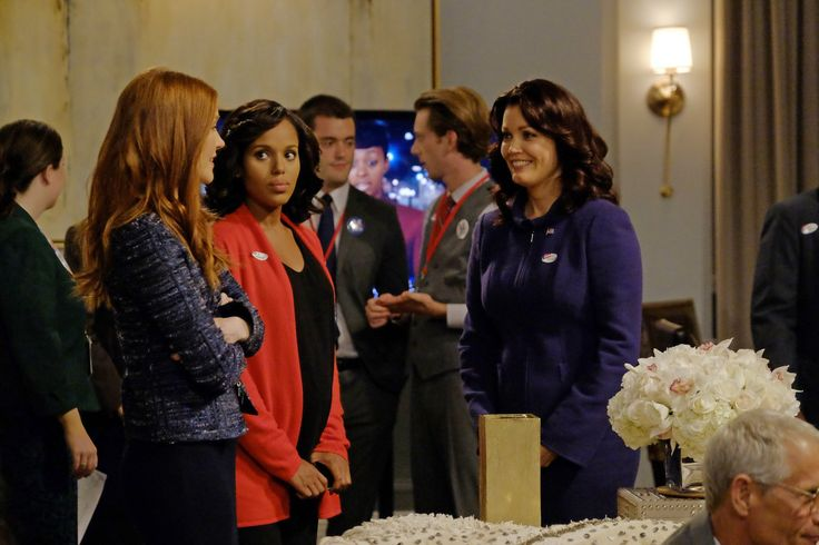 Image of Darby Stanchfield, Kerry Washington and Bellamy Young in Scandal Season 3 (16)