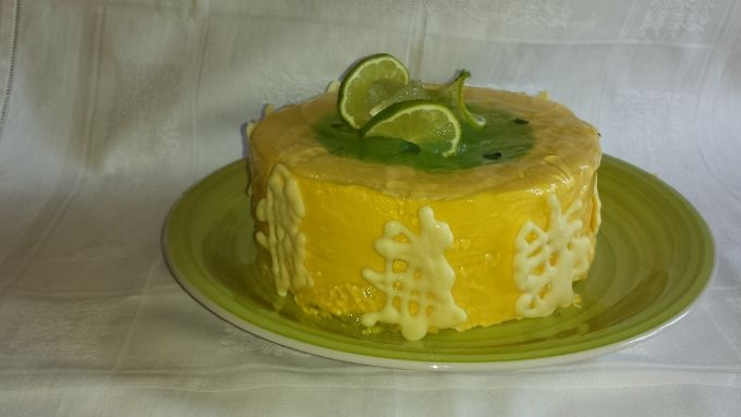 A cake modern, born from my imagination and using the technique of the great Italian pastry chef Luca Montersino. His name? #Cake Mojito. Bavarian mint flavor and rum and completed with a jelly with lime.