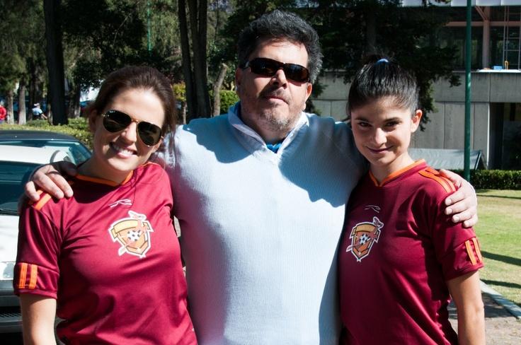 ¿Sabías que Karla Souza y María Aura, mejores amigas en la película, tuvieron que tomar clases de futbol soccer antes de la filmación?