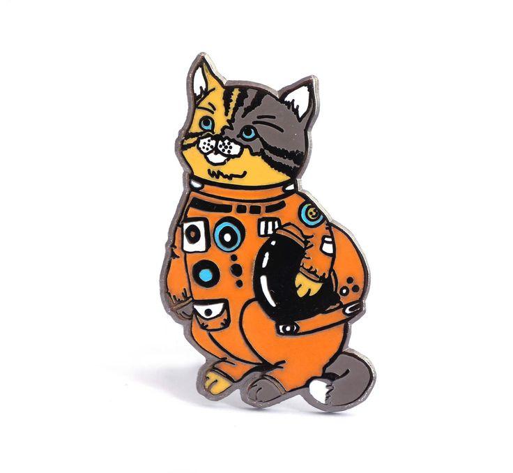 Broche chat, broche astronaute, amant de l'espace, chat dans une combinaison spatiale, pin casque espace, épinglette chat, broche chat espace, broche amant de chat, chat de Houston par CompocoPop sur Etsy https://www.etsy.com/ca-fr/listing/466776163/broche-chat-broche-astronaute-amant-de