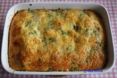 Spinaziequiche zonder bladerdaag Ingrediënten: (4 personen) 1 pak diepvries spinazie (geen spinazie á la crème) of verse spinazie 3 á 4 eieren 100 gram kl...