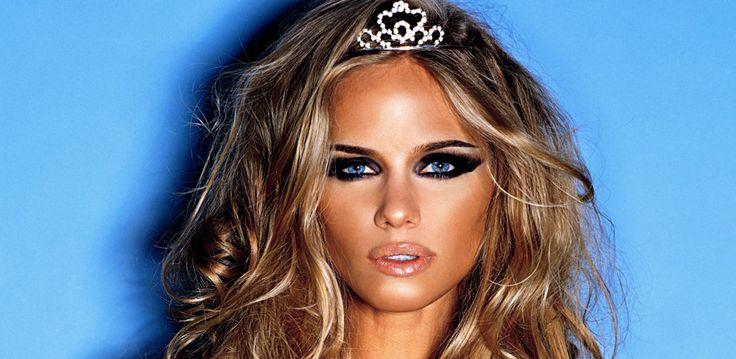 Regina Cosmetics beauty eyes shadow lipstick Regina Makeup artist