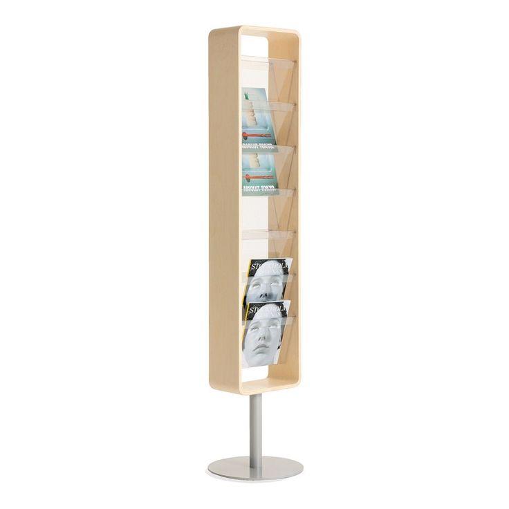 Kvadrat est un porte-magazines à deux côtés pour installation sur le sol ou fixation murale. Les compartiments pour magazines sont en plastique PET transparent et recyclable et présentent les magazines et les brochures. Les compartiments en plastique s'enlèvent facilement pour le nettoyage. La même série comprend un porte-magazines plus large à un côté, pour fixation murale, et un miroir avec ou sans éclairage. #kinnarps #materia #kvadrat