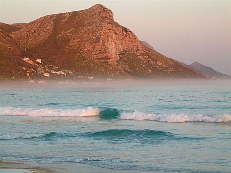 Self catering accommodation, Scarborough, Cape Town  Stunning seam and mountain views from the comfort of the Misty Cliffs House