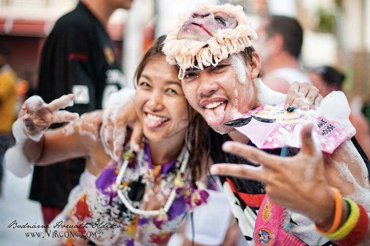 Для молодых и неспокойных отдых в Таиланде будет явно не полным без фееричных пляжных пати, которые в таком масштабе и с такой неповторимо релаксной атмосферой могут устраивать только здесь. Узнайте подробнее: http://loveyouplanet.com/pati-ostrova-tailanda/