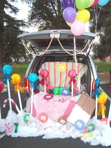candyland thrifty trunk or treat decor idea - Halloween Trunk Or Treat Decorating Ideas