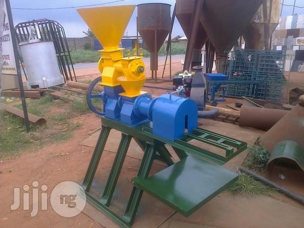 Fish Floating Pellet Machine With Images Floating Farm Machinery Pellet