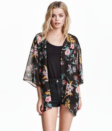 À ne pas manquer ! Kimono en tissu vaporeux avec manches 3/4. Sans boutonnage. – Rendez-vous sur hm.com pour en savoir plus.