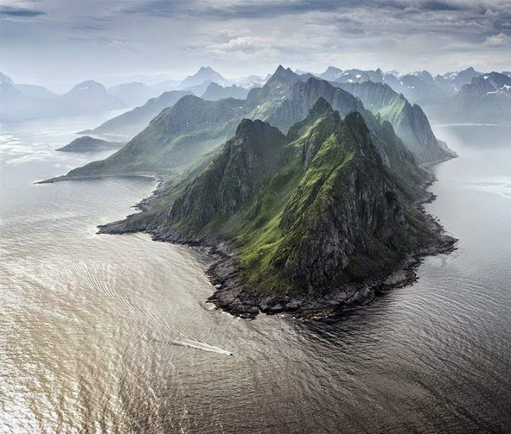 The Claws of the Dragon, Senja, Norwa
