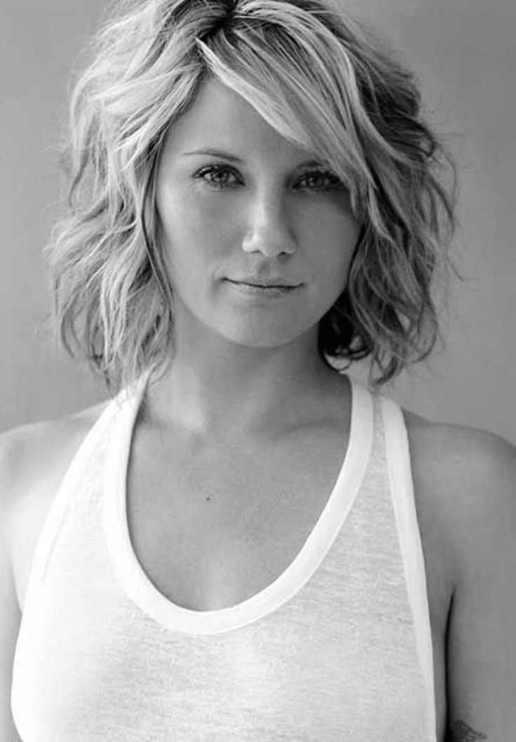 Medium Length Hairstyles Women Over 30 Wavy Hairstyles